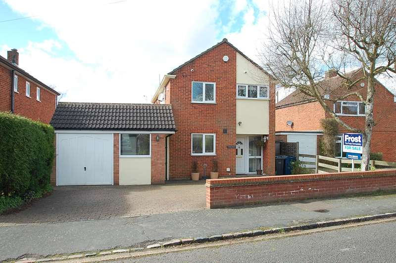 4 Bedrooms Detached House for sale in Highlands Lane, Chalfont St Peter, SL9