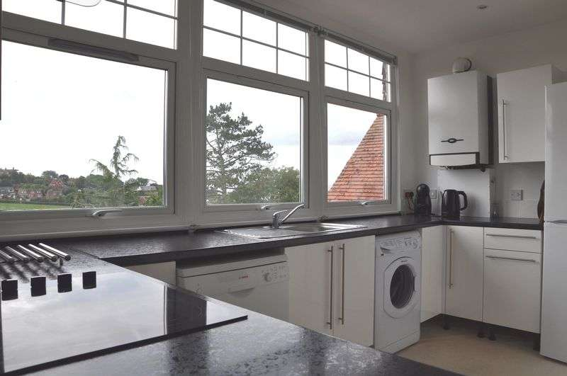 3 Bedrooms Flat for sale in Douglas Avenue, Exmouth
