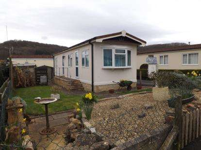 2 Bedrooms Mobile Home for sale in Dursley Vale Park, Woodfield Road, Dursley, Gloucestershire
