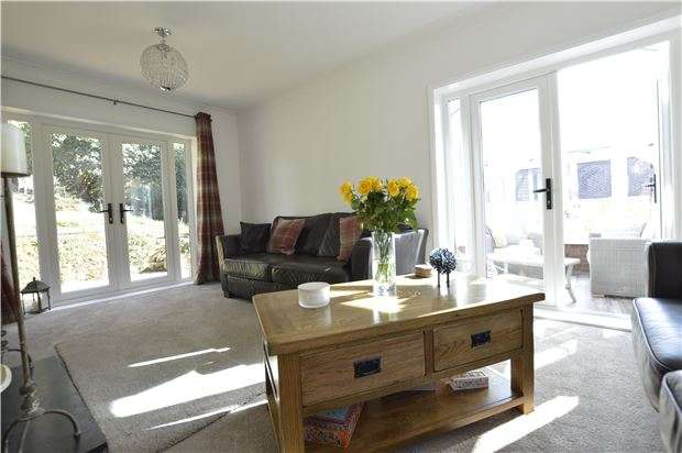3 Bedrooms Detached Bungalow for sale in St. Helens Avenue, HASTINGS, East Sussex, TN34