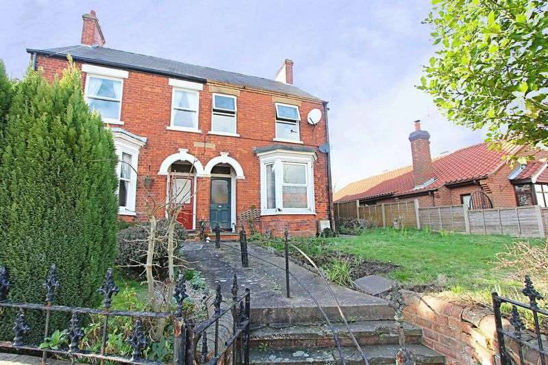 3 Bedrooms Semi Detached House for sale in Cross Street, Barrow-Upon-Humber