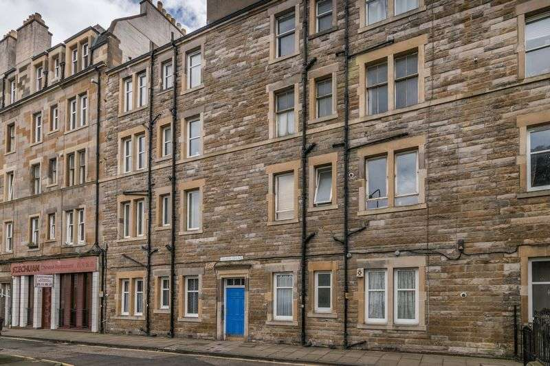 1 Bedroom Flat for sale in 3F3, 13 Lochrin Terrace, Tollcross, Edinburgh, EH3 9QL