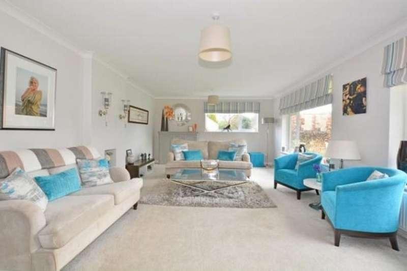 3 Bedrooms Detached Bungalow for sale in Kithurst Park, Storrington