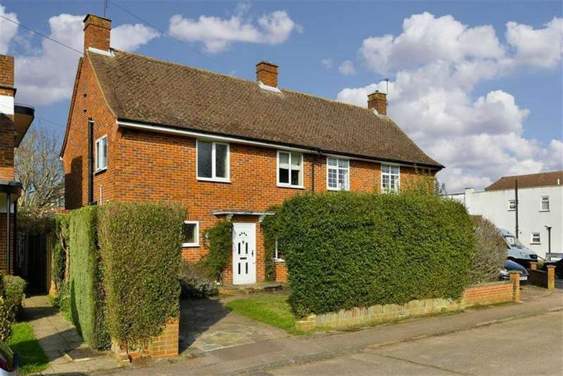 3 Bedrooms Semi Detached House for sale in Ballards Green, Tadworth, Surrey
