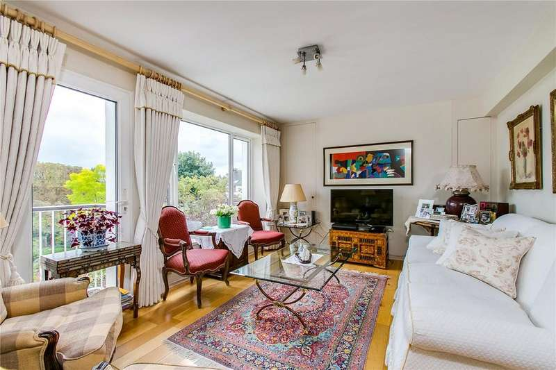 3 Bedrooms Flat for sale in Heathshott, Friars Stile Road, Richmond, Surrey