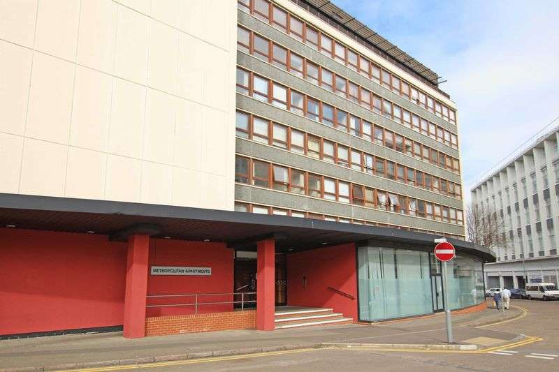 2 Bedrooms Flat for sale in Lee Circle, Leicester