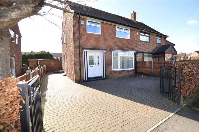 3 Bedrooms Semi Detached House for sale in Stocks Road, Leeds, West Yorkshire