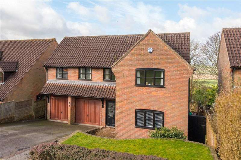 5 Bedrooms Detached House for sale in Violet Close, Loosley Hill, Loosley Row, Princes Risborough