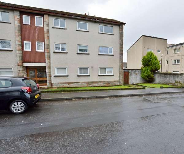 2 Bedrooms Flat for sale in Flat 1, 38 Waterside Street, Largs, KA30 9LR