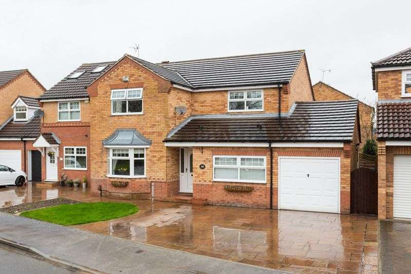 4 Bedrooms Detached House for sale in Osbourne Drive, York