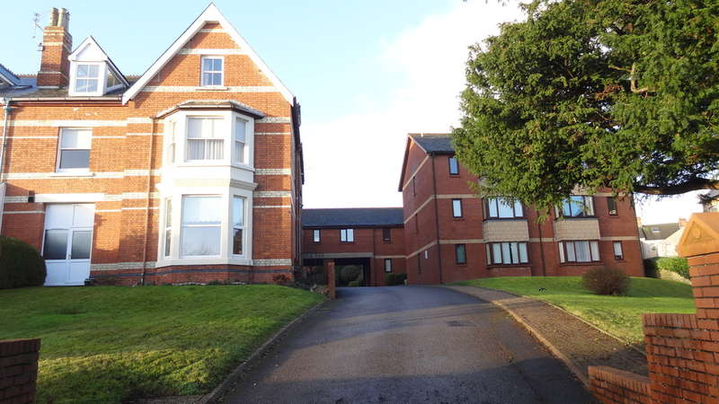 1 Bedroom Ground Flat for sale in Park Road, Barry