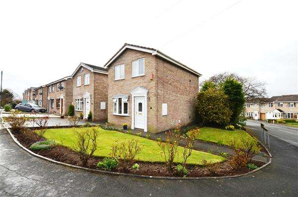 3 Bedrooms Detached House for sale in Ferndown Drive, Clayton, Newcastle