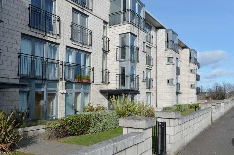 2 Bedrooms Flat for sale in West Granton Road, Edinburgh, EH5 1FE