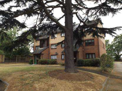 1 Bedroom Flat for sale in Wanstead, London