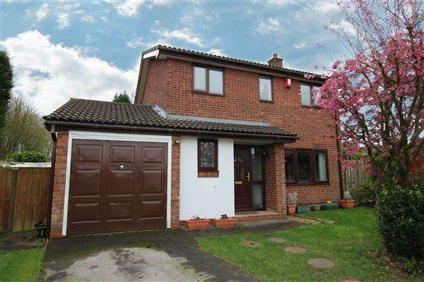 4 Bedrooms Detached House for sale in Fairlight Grove, Meir Park, Stoke-on-Trent