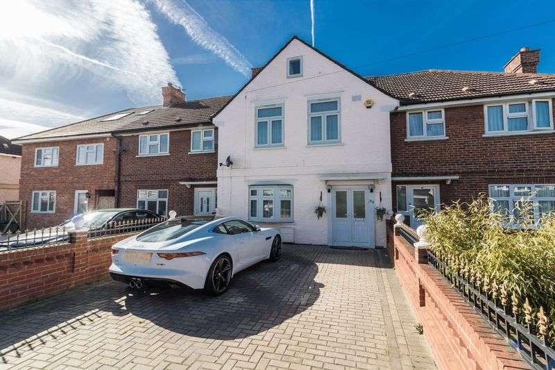 4 Bedrooms Terraced House for sale in Fencepiece Road, Barkingside