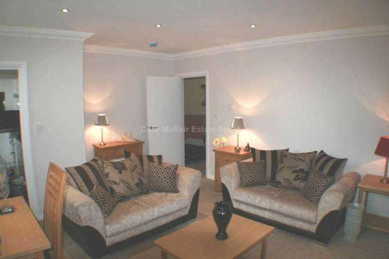 2 Bedrooms Apartment Flat for rent in Rectory Road, Crumpsall