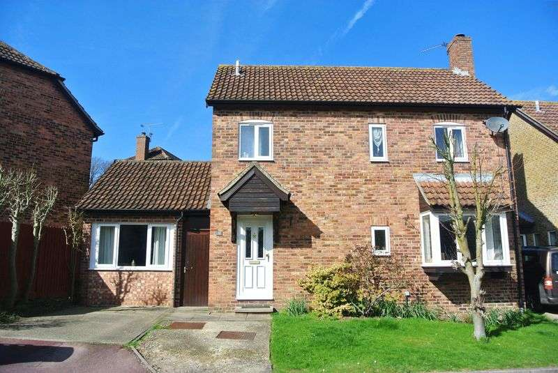 4 Bedrooms Detached House for sale in Ivar Gardens, Lychpit