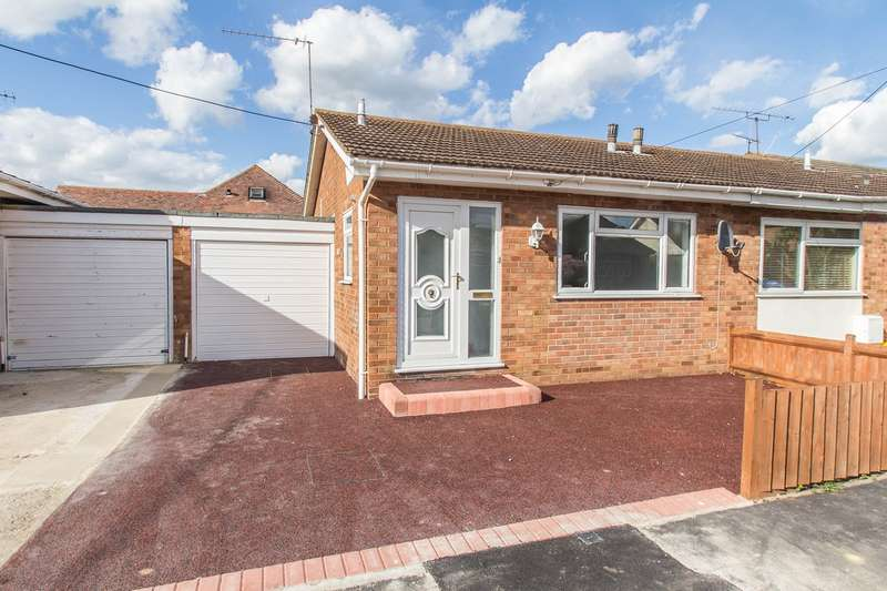 1 Bedroom Semi Detached Bungalow for sale in Beverley Avenue, Canvey Island, SS8