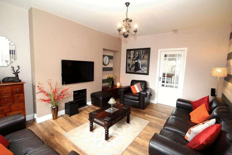 3 Bedrooms Terraced House for sale in Simpson Drive, Tillicoultry
