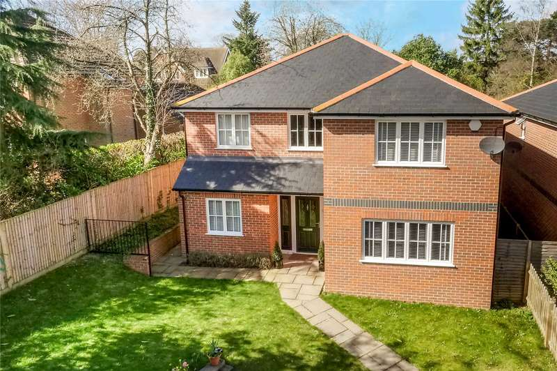 4 Bedrooms Detached House for sale in Peppard Road, Sonning Common, Oxon., RG4