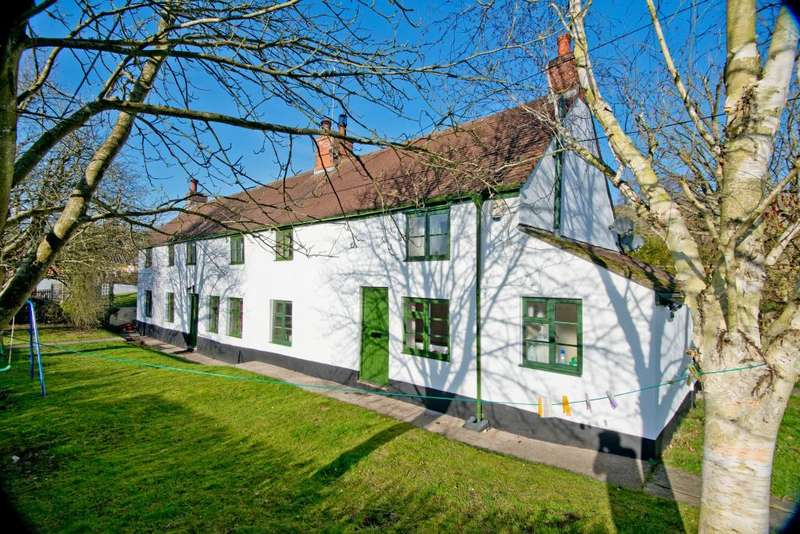 5 Bedrooms Cottage House for sale in Newtown, Heytesbury, Warminster