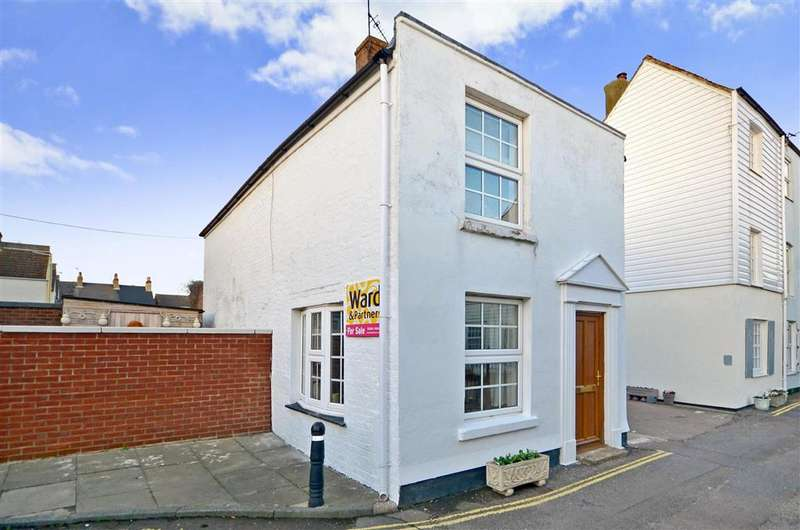 2 Bedrooms Cottage House for sale in Enfield Road, Deal, Kent