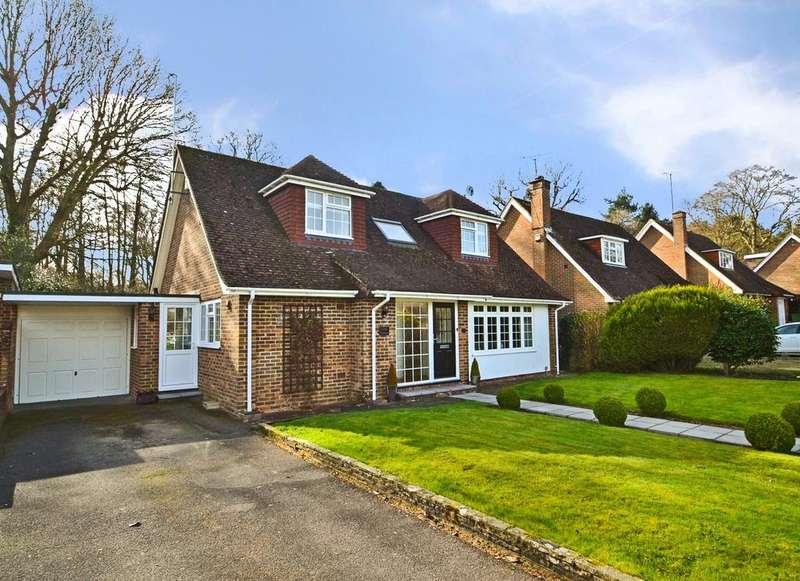 4 Bedrooms Detached House for sale in Hillside Road, Storrington, West Sussex, RH20