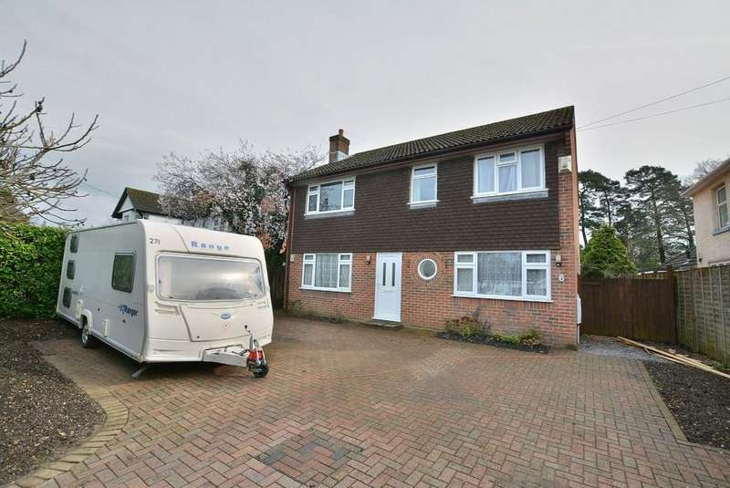 4 Bedrooms Detached House for sale in Glenwood Road, Ferndown