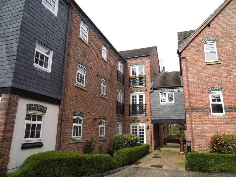 2 Bedrooms Apartment Flat for sale in Tythe Barn Lane, Dickens Heath