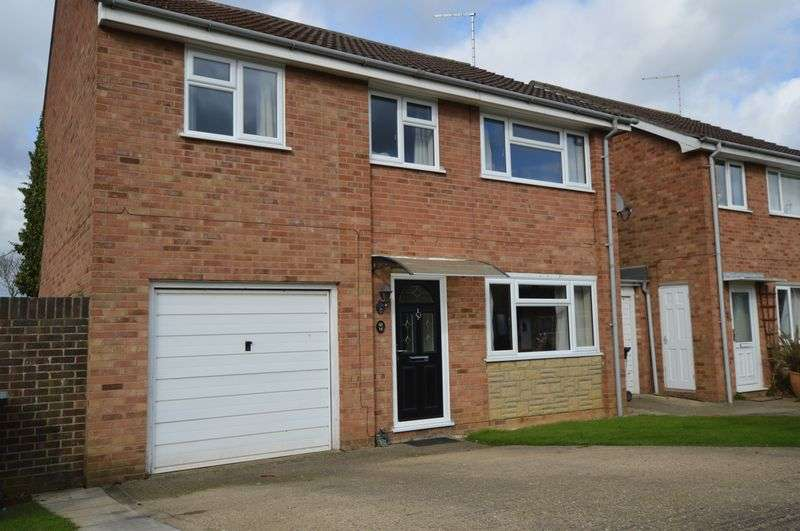 4 Bedrooms Detached House for sale in Crowson Way, Peterborough