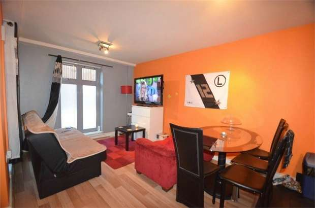1 Bedroom Flat for sale in Mayna Court, Columbia Avenue, HA8, Greater London