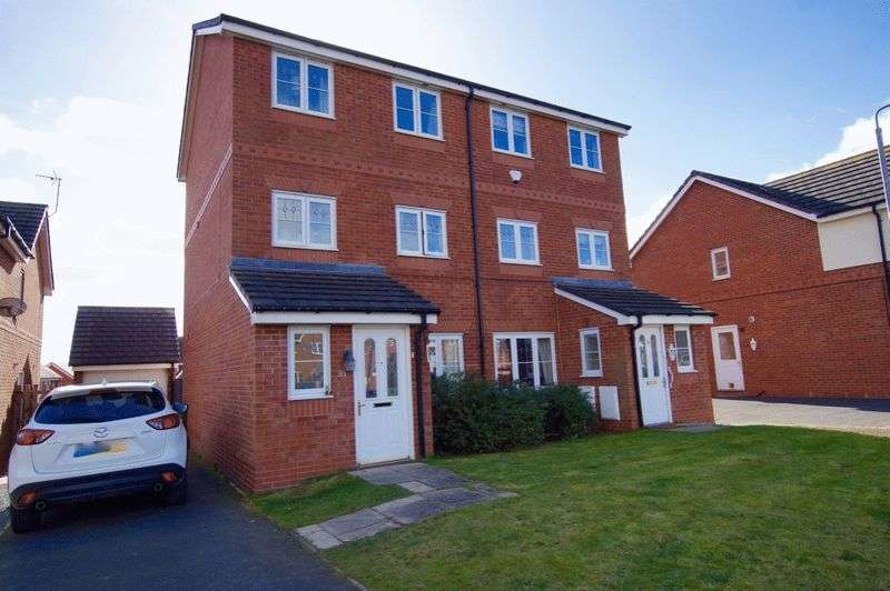 4 Bedrooms Semi Detached House for sale in Alyn Road, Gwersyllt, Wrexham