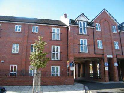 2 Bedrooms Flat for sale in Sandpipers Court, 46 Bridge Road, Crosby, Liverpool, L23