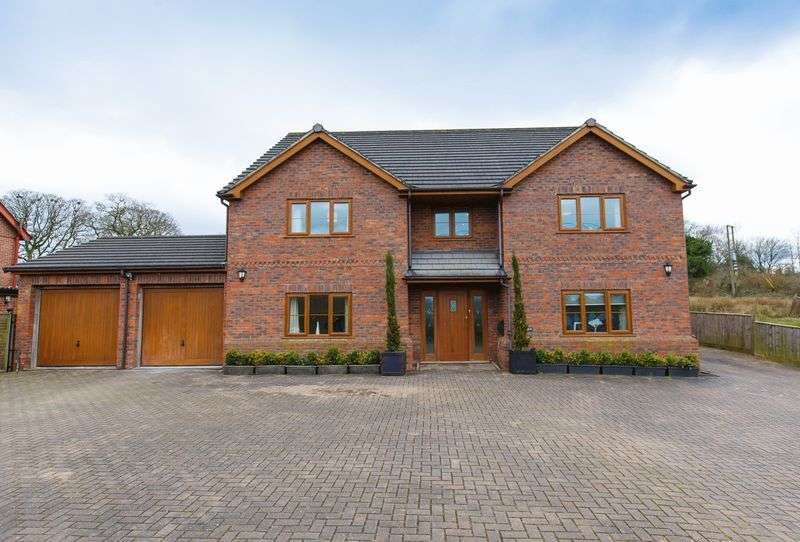 5 Bedrooms Detached House for sale in Amberleigh, Copplestone