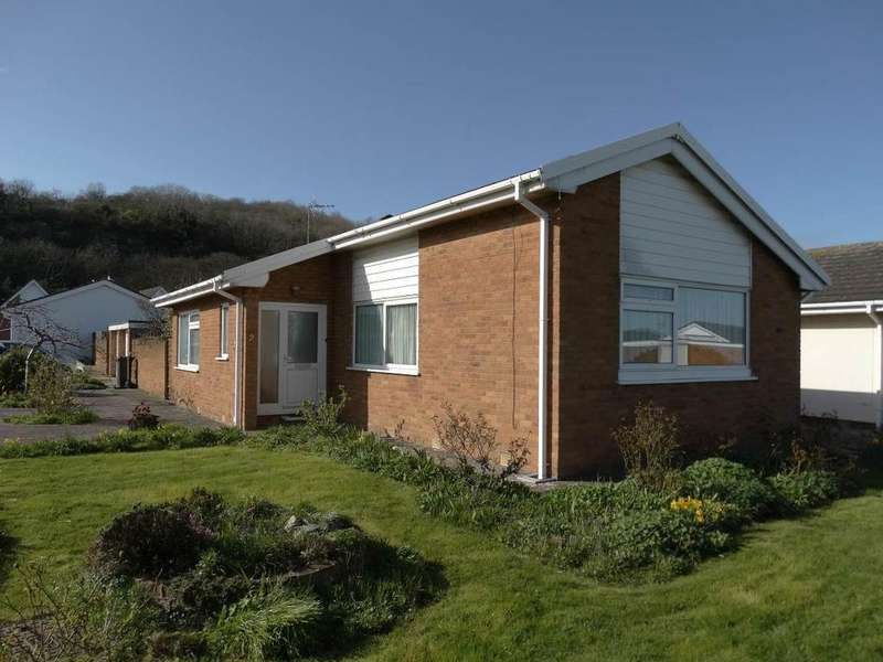 2 Bedrooms Detached Bungalow for sale in 2 Coed Y Mor, Penrhyn Bay, LL30 3NS