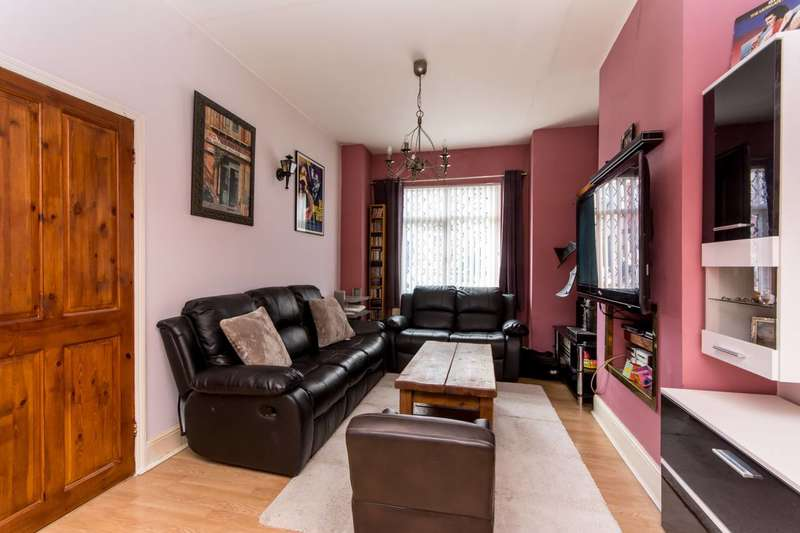 2 Bedrooms Maisonette Flat for sale in Brunswick Park Road, New Southgate, N11