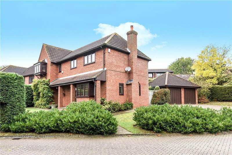 4 Bedrooms Detached House for sale in Dyers Mews, Neath Hill, Milton Keynes, Buckinghamshire