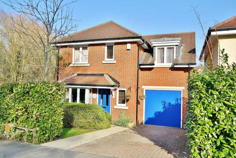 4 Bedrooms Detached House for sale in St. John's, Woking