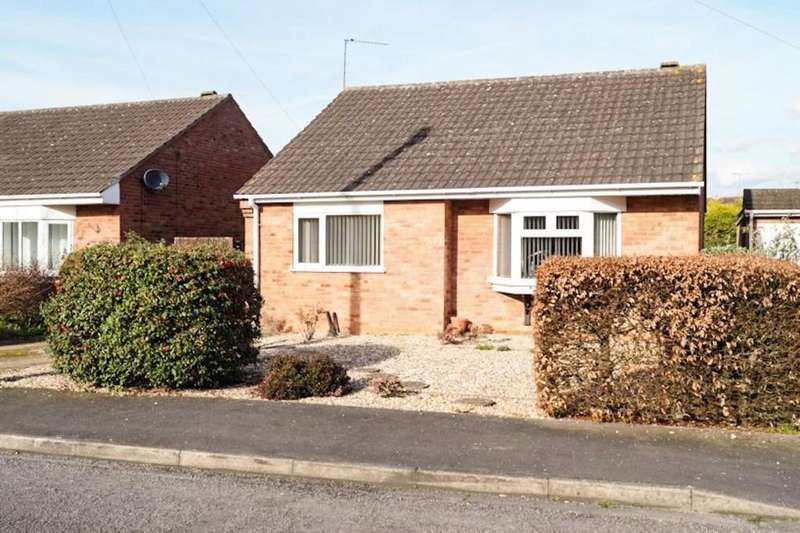 2 Bedrooms Detached Bungalow for sale in Spring Court, Welton