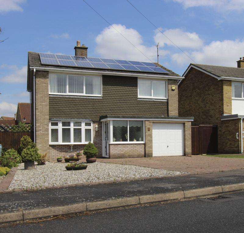 4 Bedrooms Detached House for sale in St. Andrews Way, Ely