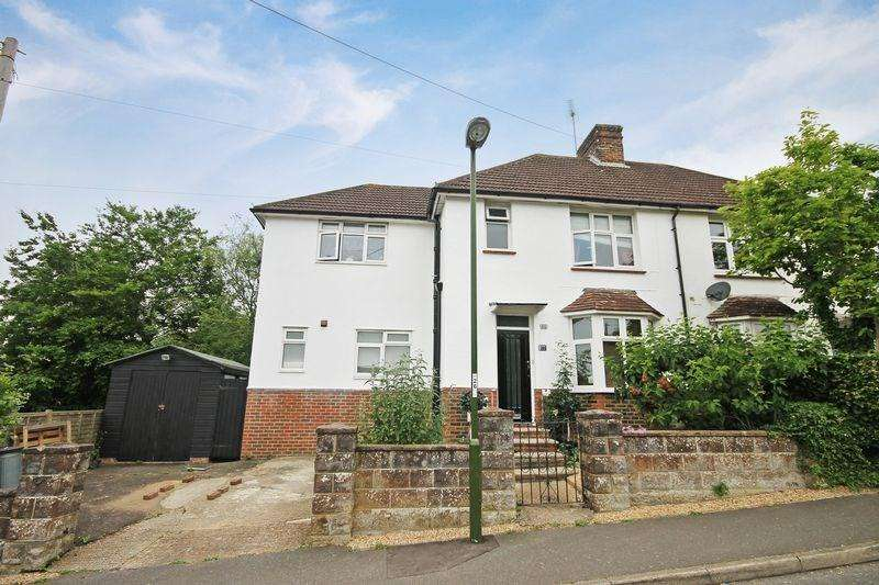 4 Bedrooms Semi Detached House for sale in Western Road, Haywards Heath, RH16