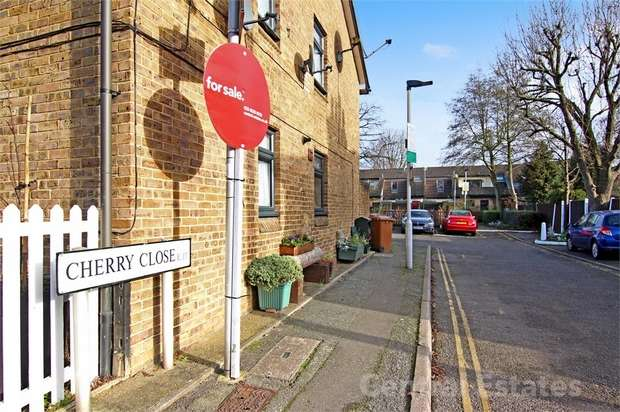 1 Bedroom Flat for sale in Cherry Close, Walthamstow, London
