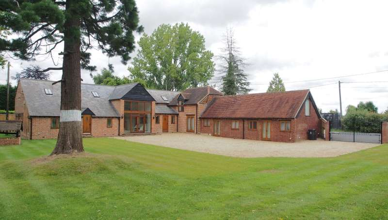 5 Bedrooms Detached House for sale in The Old Barn, Sheepcote Lane, Maidenhead, Berkshire, SL6 3JU