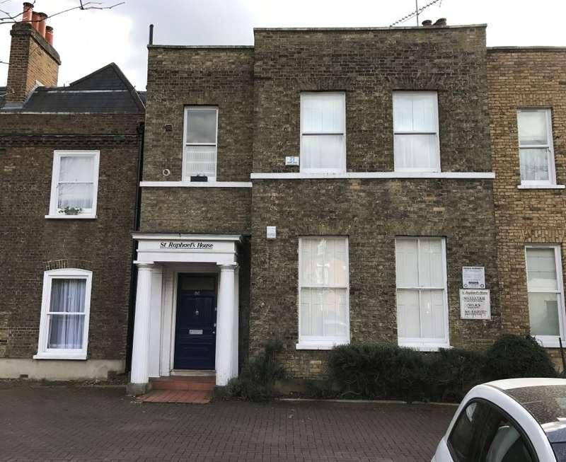 3 Bedrooms Maisonette Flat for sale in St. Raphaels House, Mattock Lane, Ealing, London, W5 5BJ