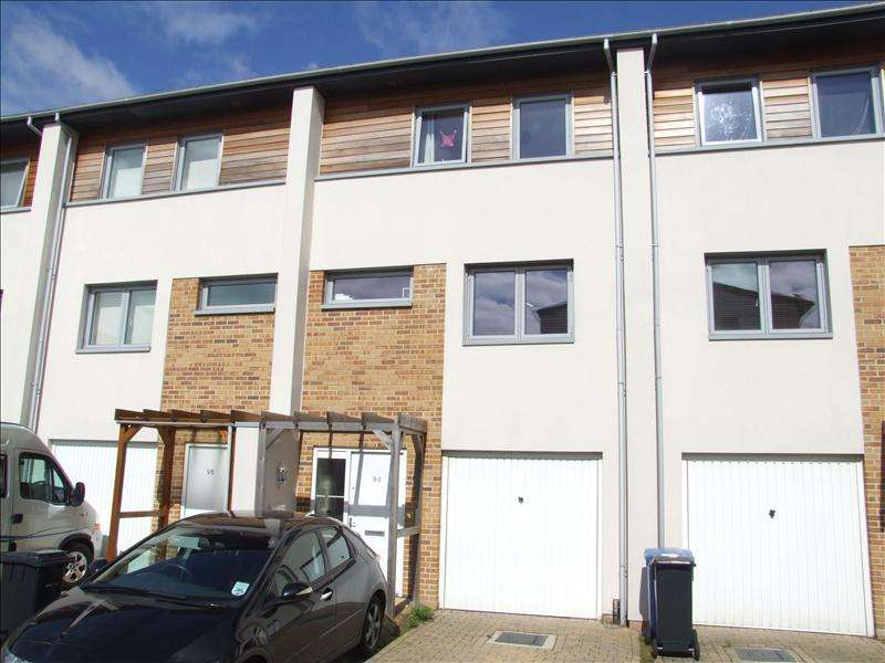 3 Bedrooms Terraced House for sale in Broomhill Way, Poole