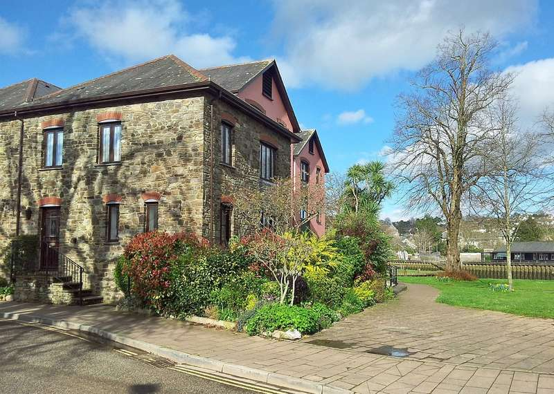 2 Bedrooms Semi Detached House for sale in Throgmorton House, Totnes