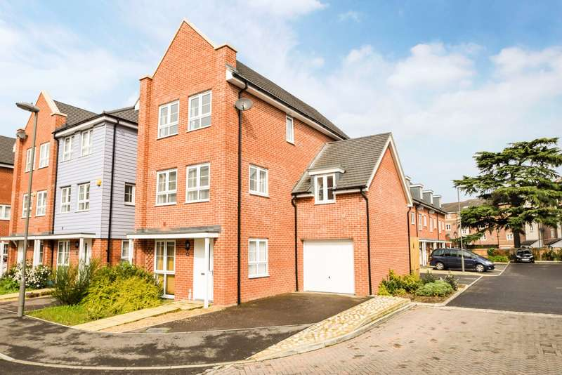 4 Bedrooms End Of Terrace House for sale in Wyeth Close, Taplow, Maidenhead, SL6