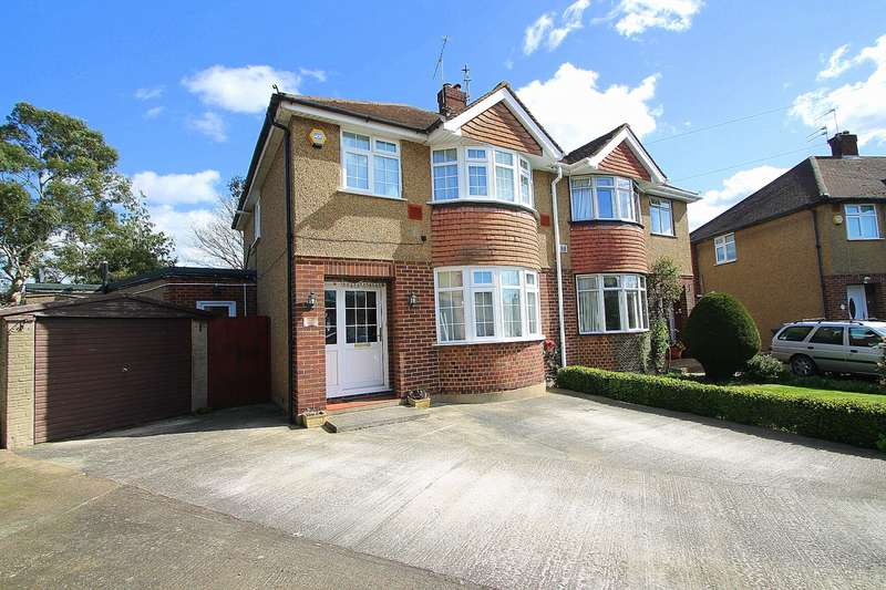 3 Bedrooms Semi Detached House for sale in Stanwell Gardens, Stanwell Village, TW19