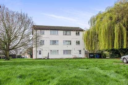 2 Bedrooms Flat for sale in Coles Road, Milton, Cambridge